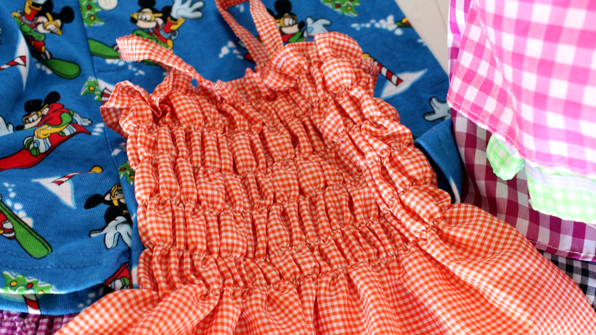 von den Näherinnen gefertigtes Kleid