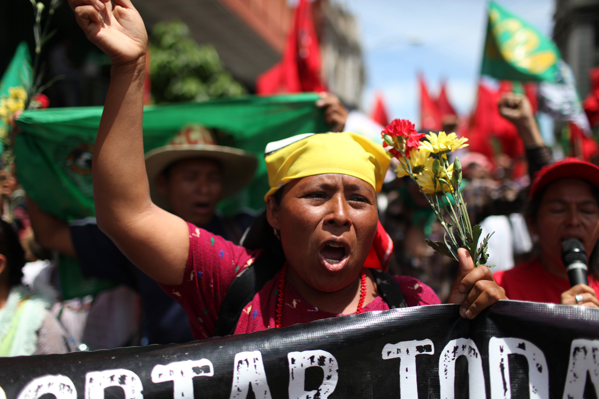 After 9 days and 212 kilometers, the Indigenous, Campesino and Popular March for the defense of Mother Earth, against evictions, criminalization, and in favor of Integrated Rural Development, arrived to the Capital City. According to members of the Committee for Campesino Unity (CUC), it is estimated that about 15,000 people participated in the ninth and final day of the march.