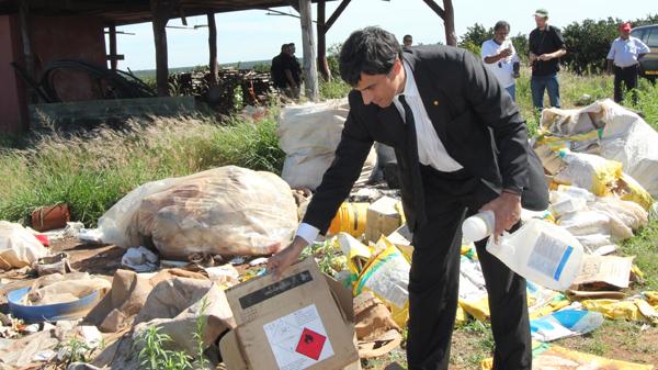 Bei Razzien auf der Orangenplantagen wie in Avaré verhängt der Regionalchef des Arbeitsministeriums, Luis Henrique Rafael regelmäßig Strafen - ohne das sich etwas ändert.