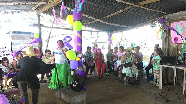 Tanz und Schauspiel auf einer Veranstaltung der CMM