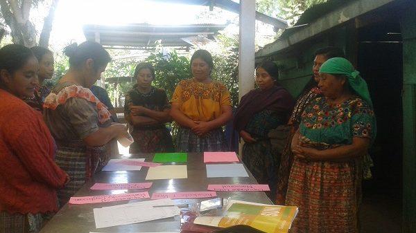 Workshop von Ademi mit Frauen