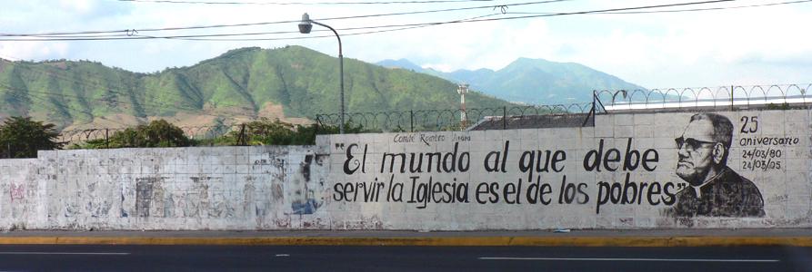 Straßengemälde in Mittelamerika Mit Oscar Romero Zitat