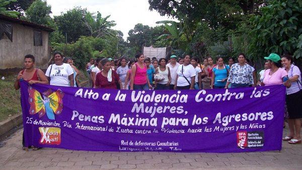 Demo-Gewalt-Frauen-XochiltAcatl-Nicaragua-CR-XochiltAcalt (2)