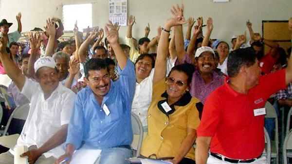 Abstimmung bei einer Mitgliederversammlung