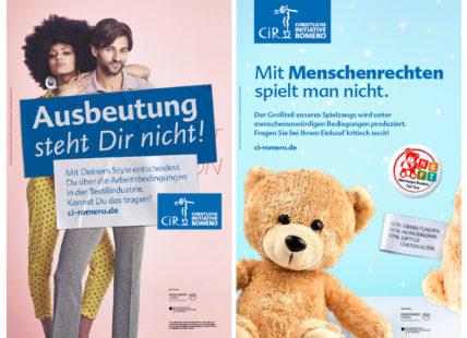 Plakate zu kritischem Konsum von Kleidung und Spielzeug