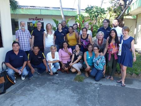 CIR-Delegation mit ehemaligen Hermosa Arbeiterinnen