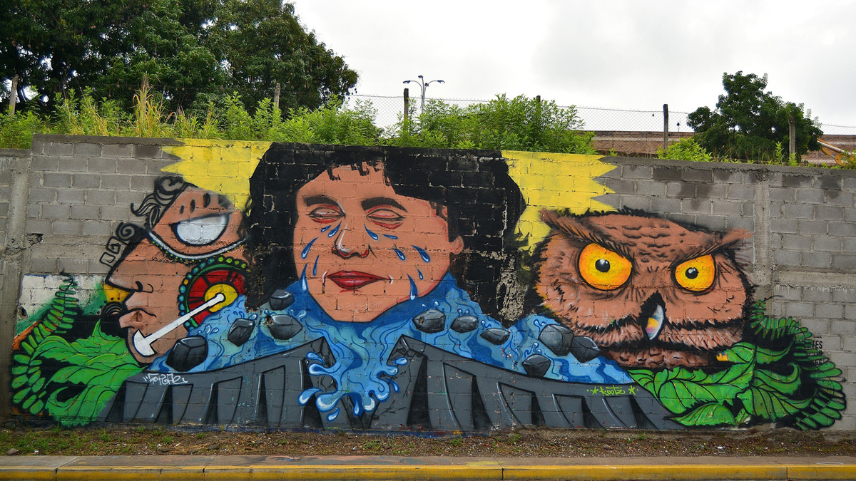 Graffiti von 2016 mit Berta Cáceres in Tegucigalpa, Honduras.