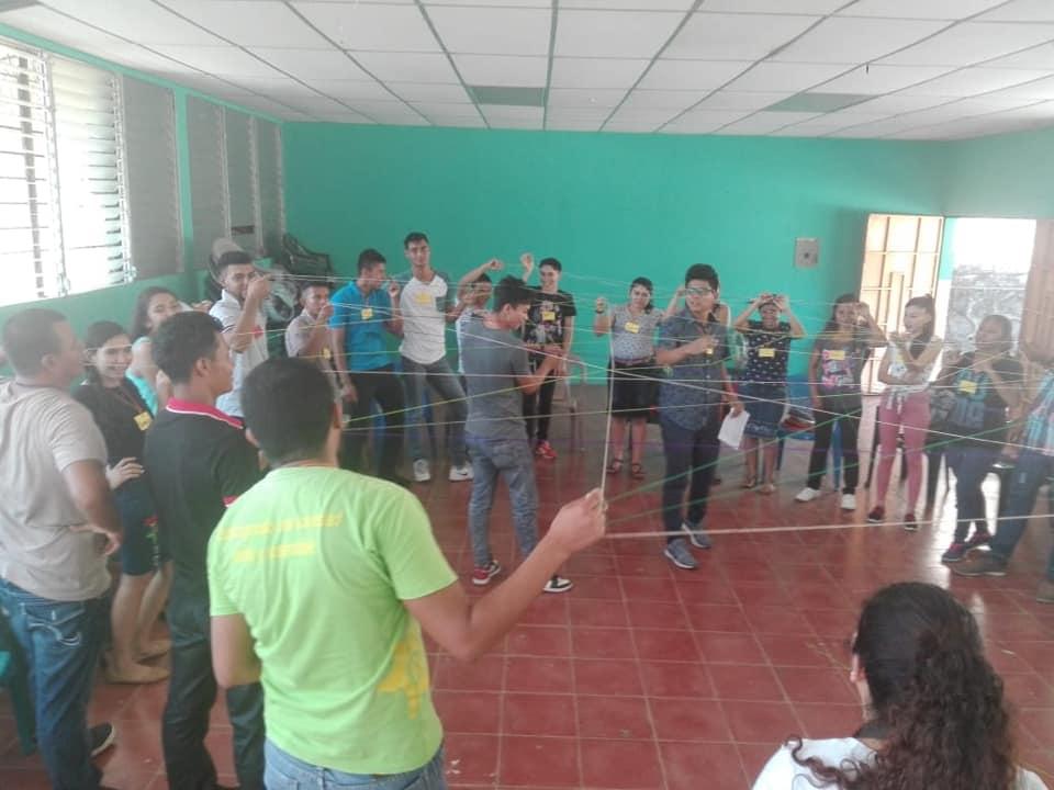 Arbeit mit Jugendlichen der Organisation UNES
