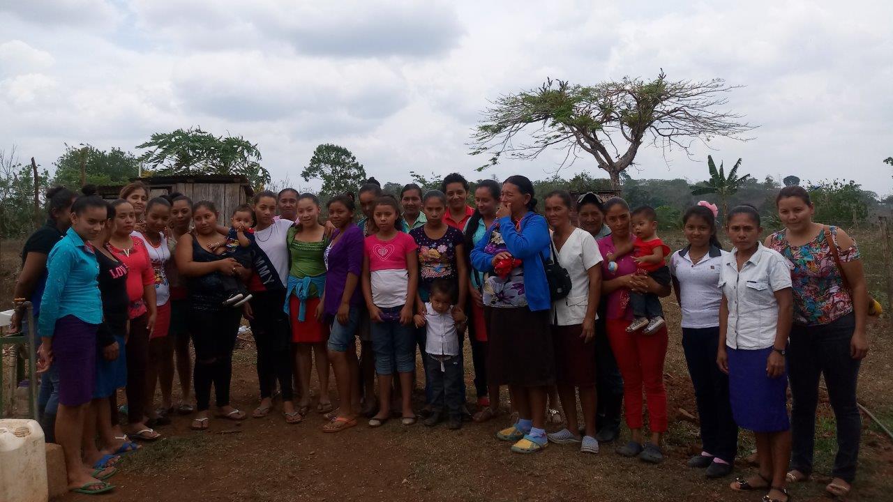 Gruppenfoto von Frauen aus der Gemeinde