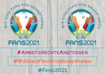 """Vorderseite der Stickerpostkarte zu EM 2021. Vorderseite zeigt 5 Sticker mit verschiedenen Forderungen u.a. """"Wir sind Fans von Näher*innen"""" oder """"Fair Play"""" bzw. """"Fair Pay"""""""